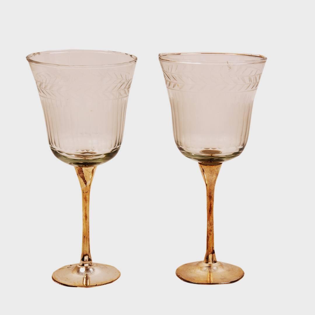 Colored drinks this holi in these beautiful goblets #HoliDay #holi #HoliHai #RangBarse #manorhousedecor