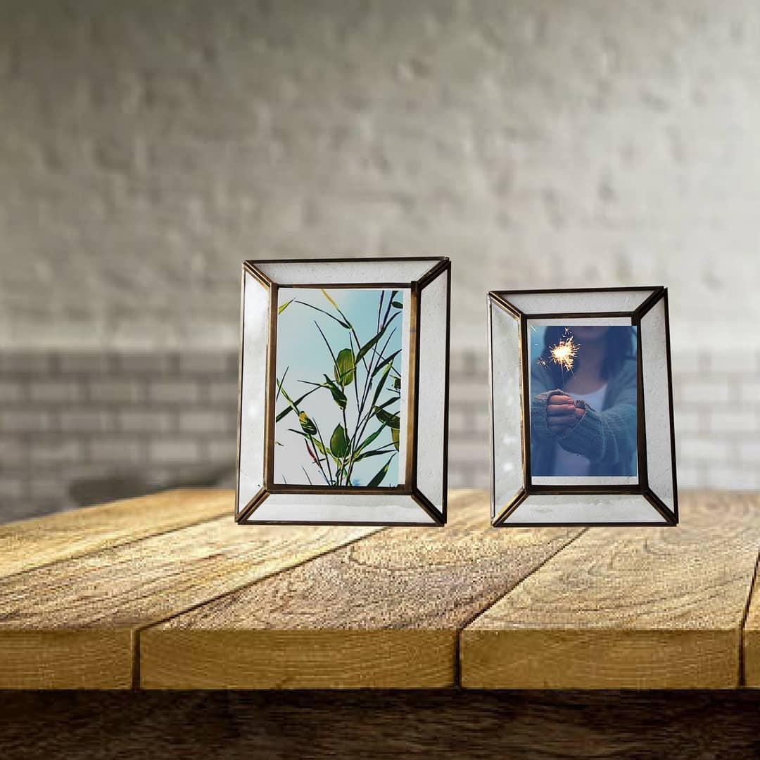 We save photos in our phones. Let some pictures narrate your story by framing them.  Shop link in Bio @manor_house_decor  #manorhousedecor #ManorHouse #materialgirl #photoframes #lovefordecor #lovefordesign #tabledecor #bedsidetable