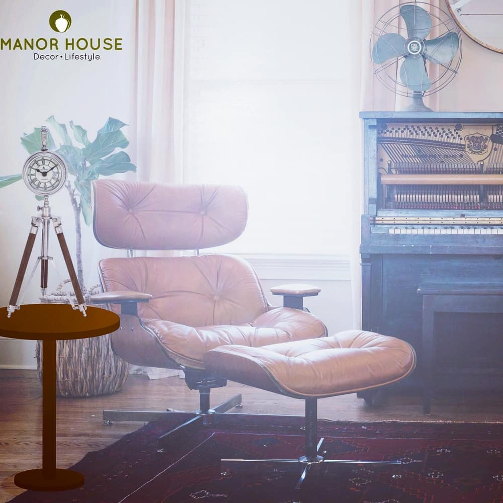 Time check @manor_house_decor Presenting Desk Tripod Clock-a great collectible available in two finishes-Nickel and Antique Brass. Style your office, nook or living area with this quintessential.  #manorhousedecor #ManorHouse #clock #homesweethome #homedeco #HomeDecor #homedecoration #inspohome #lovefordecor #lovefordesign #deskdecor  #corporategifts