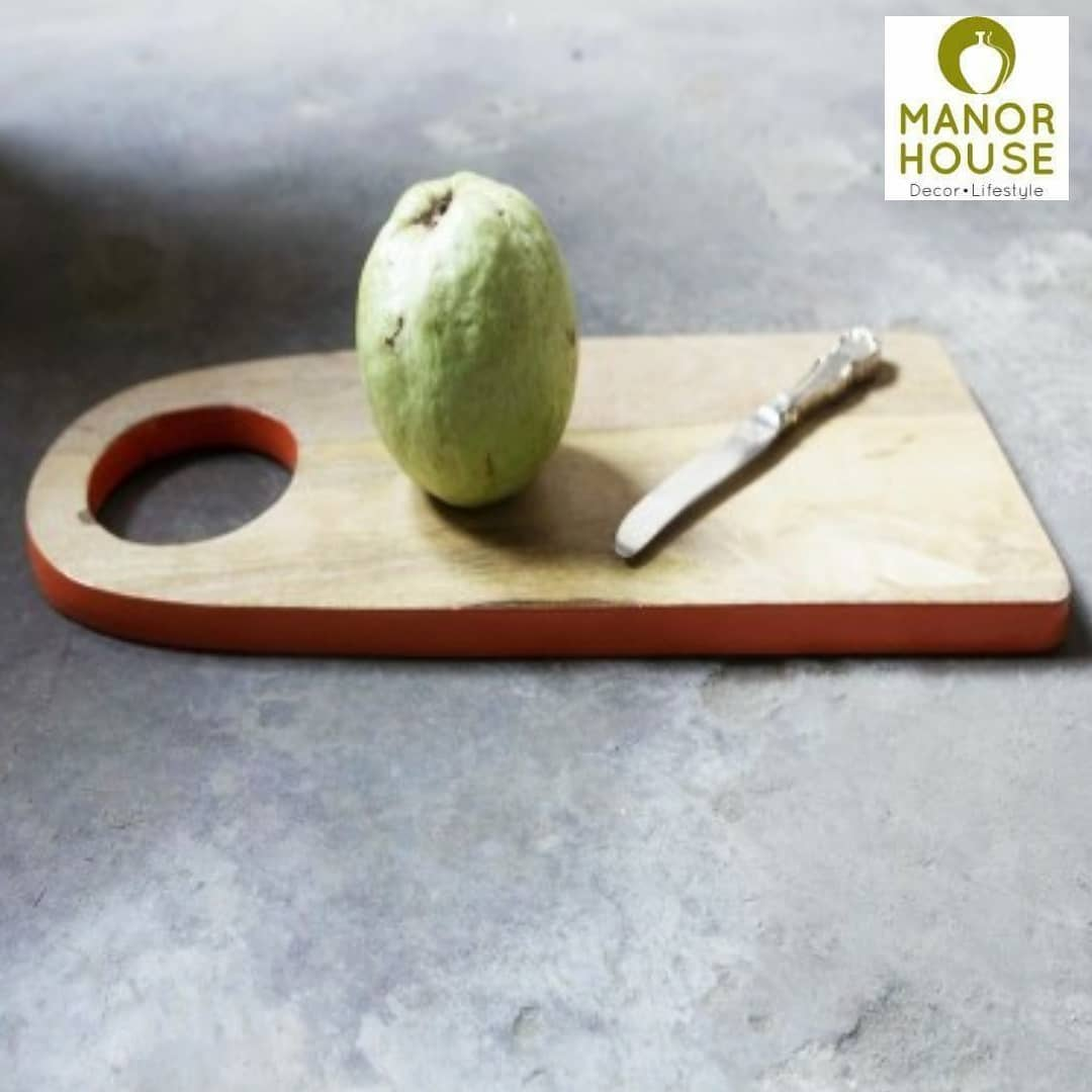 We love the versatility of the colored border wooden cheese boards. Use them for arranging a formal cheese platter or have fun cutting your veggies in kitchen. They make great wedding favors too. To get them personalized, DM us @manor_house_decor  #weddinggiftideas #weddinggifts #weddingreturngifts #cheeseboard #woodencheeseboards #choppingboards #anniversarygifts #manorhousedecor #ManorHouse #kitchendecor #gurgaonmoms #bangalore_insta #powaiwomennetworking #lovefordecor #diwaligifts #diwalidinner #diningtabledecor