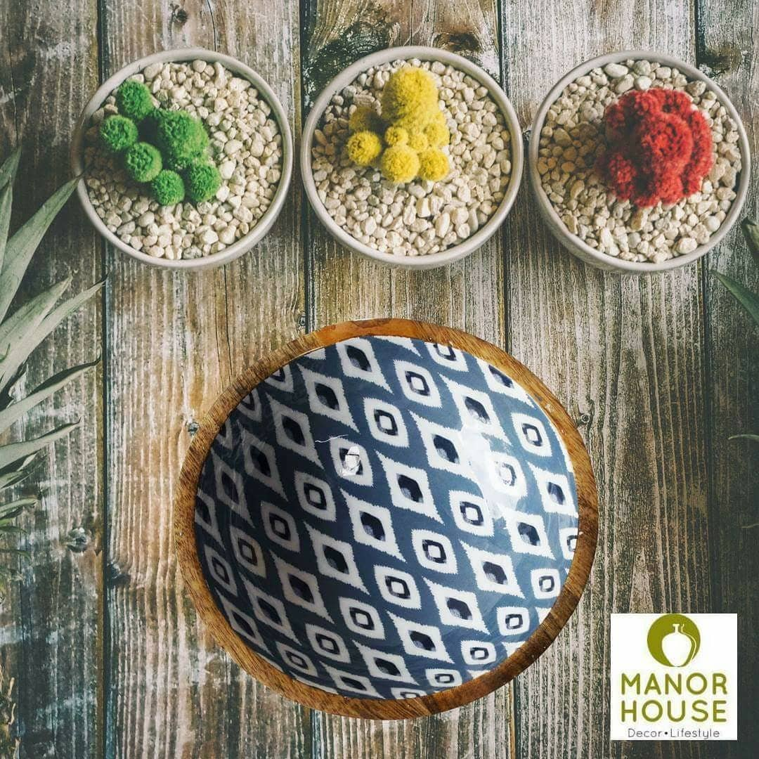 'Ikat' is an indigenous dyeing technique traditionally done on fabric. Manor House gives a facelift to this loving art by bringing it on a wood bowl.  Presenting dining and entertainment decor by Manor House . Hope you like it.  @manor_house_decor #bowl #kitchenanddining #serveware #potpourri #serveware #bowls #servingbowl #diningtabledecor #diwaligifts #giftsforhome #homesweethome #homedeco #interiordesign #instagood #instadecor #instamood