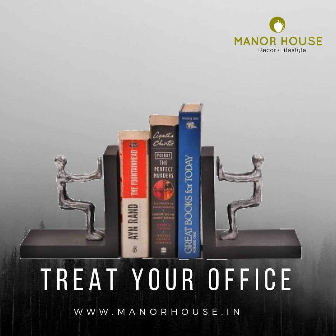 Treat your office table with the lovely bookend or send your clients as a business gift this Diwali season. @manor_house_decor  #bookends #corporategifts #businessgifts #officedecor #giftideas #giftsforclients #deskorganization #instadecor #gurgaonmoms