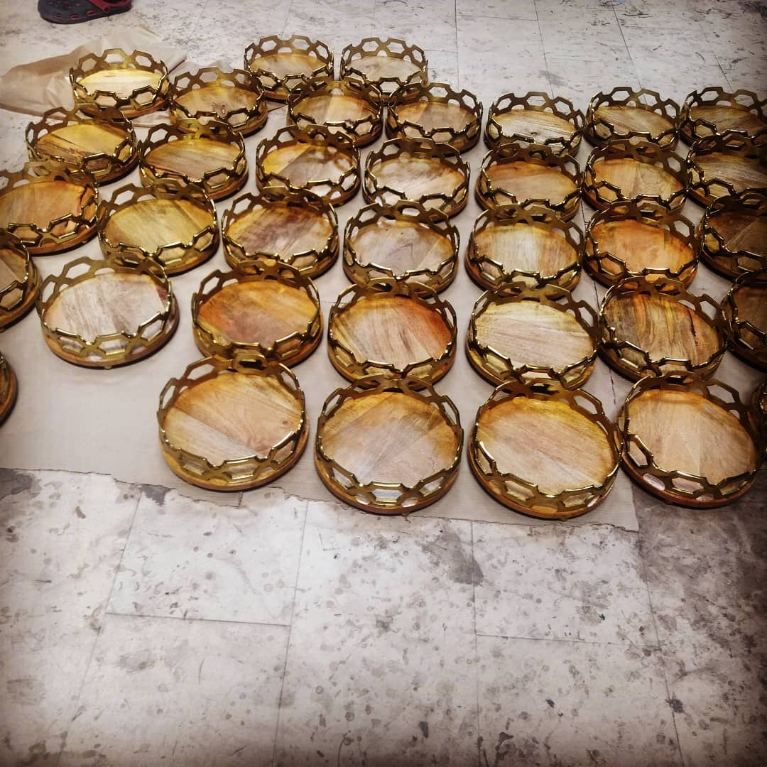 Hamper trays getting ready. Yes, we are still taking Diwali gift orders @manor_house_decor . So, book yours. #diwaligifting #diwalidecor #diwali💥 #corporategifts #manorhousedecor #coffeetabletray #trays #partyreadyhome