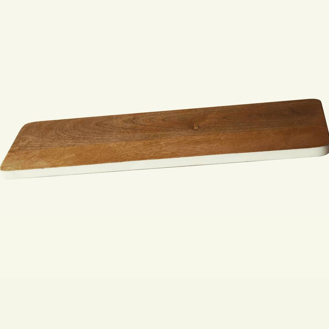 Chopping board, cheese board or snack platters. Play to your imagination and use these fine natural wood platters or boards for your kitchen and as serveware. @manor_house_decor  #manorhousedecor #manorhouse #homedecor #homedecoration #cheeseboard #hamperideas #choppingboard #serveware #wooddecor