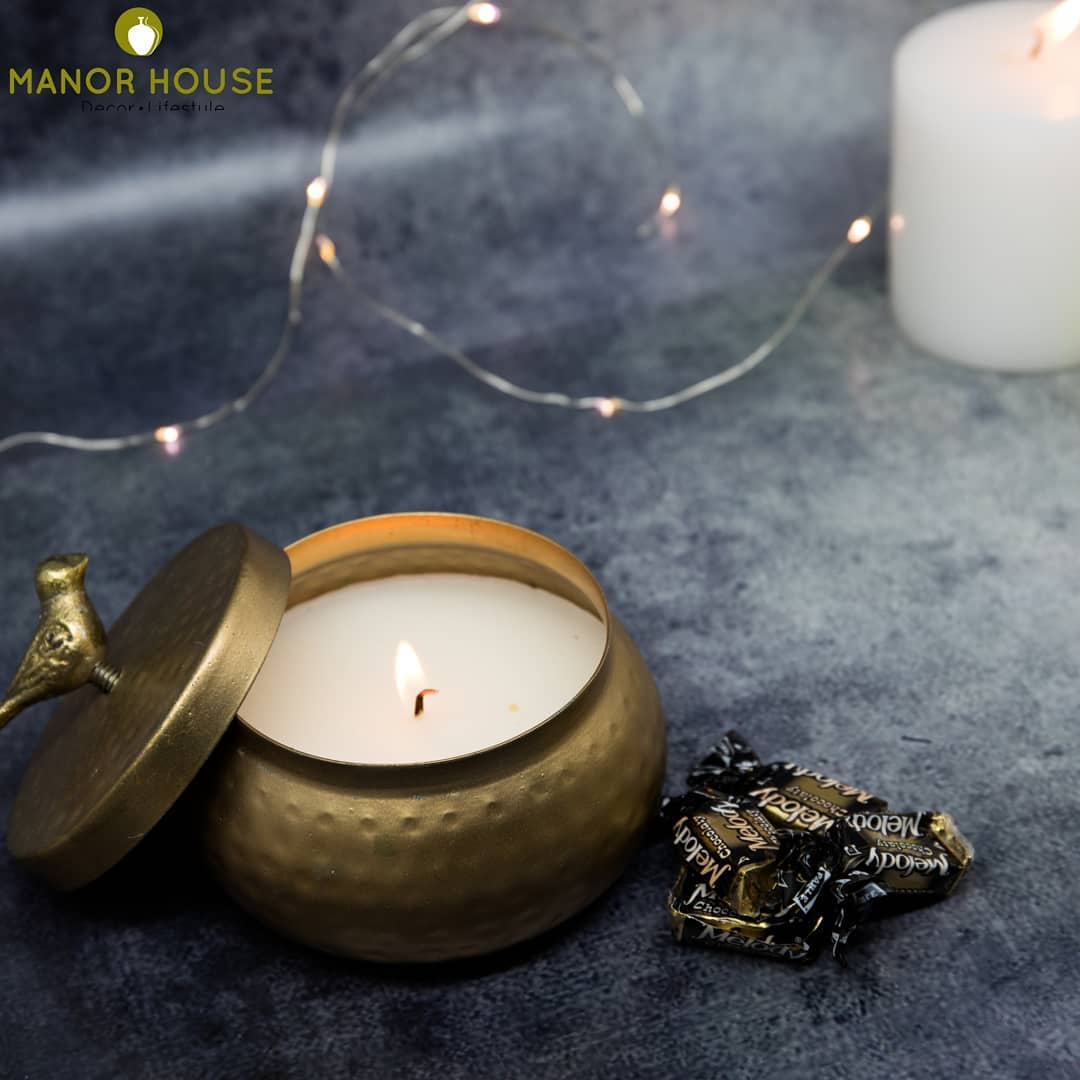 Make your Diwali gifts pretty. Our festive candle filled Jars will work in any corner of your house and when the candle burns out, store knickknacks! @manor_house_decor #manorhousedecor #beautifulhomes #hamperideas #diwali2019 #christmasdecor #weddingfavors #homedecoration