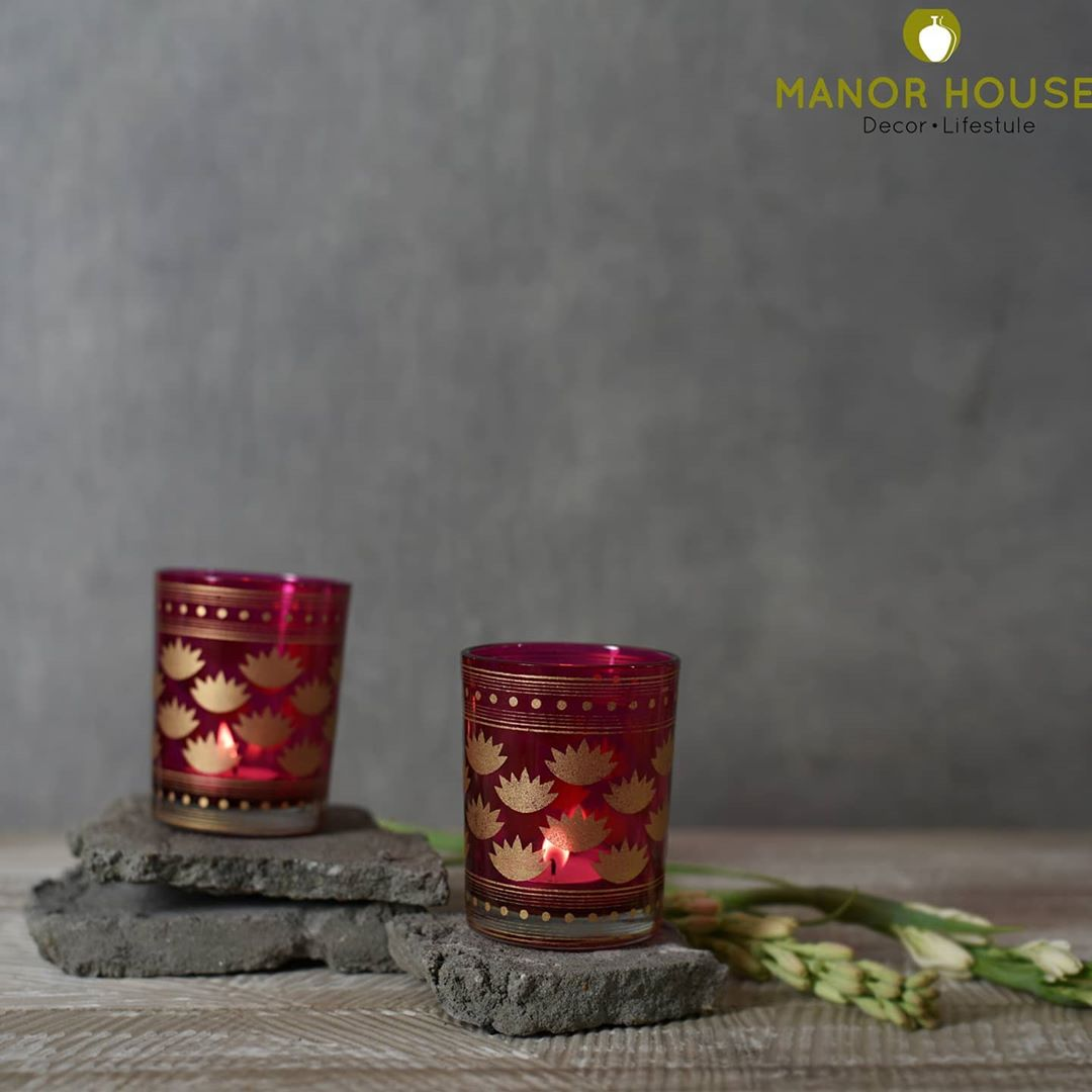 This year festive time is perhaps a little muted in terms of number of people we meet but is surely much more cozier, and lets us have a beautiful time with family.  Votives @manor_house_decor that are bright and jewel like blingy provides warmth and are festive. #diwaligifts #diwali2020  #manorhousedecor #beautifulhomes #instagramforsmallbusiness