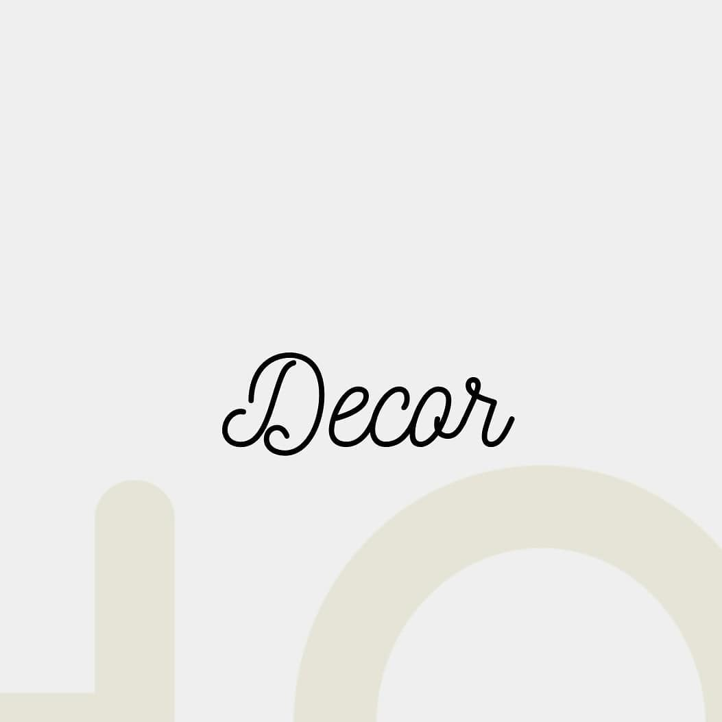 Manor House Decor,  homedecor, decorlovers, homestyling, homes, decor, design, upgrade, mondayvibes